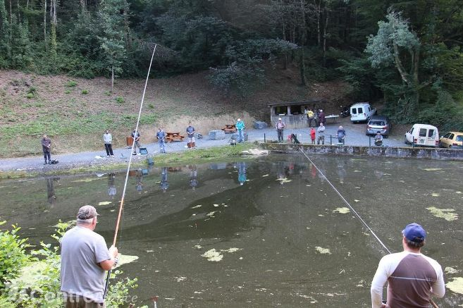 Concours de pêche pour enfants le samedi et adultes le dimanche